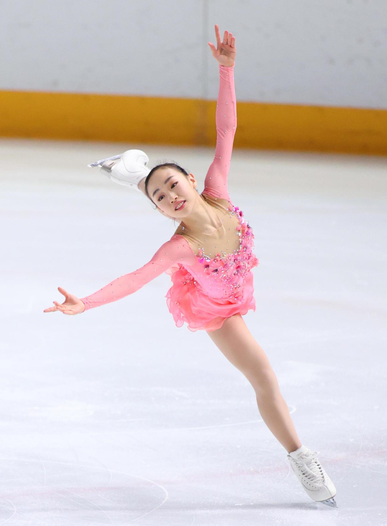女子フリーで演技する優勝した松生理乃(代表撮影)
