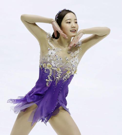 フィギュアスケートNHK杯女子ショートプログラム 演技をする本田真凜(代表撮影)