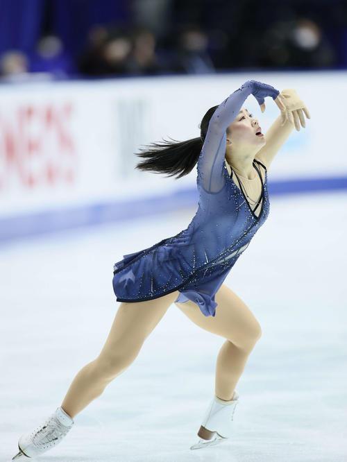 フィギュアスケートNHK杯女子ショートプログラム 演技をする樋口新葉(代表撮影)