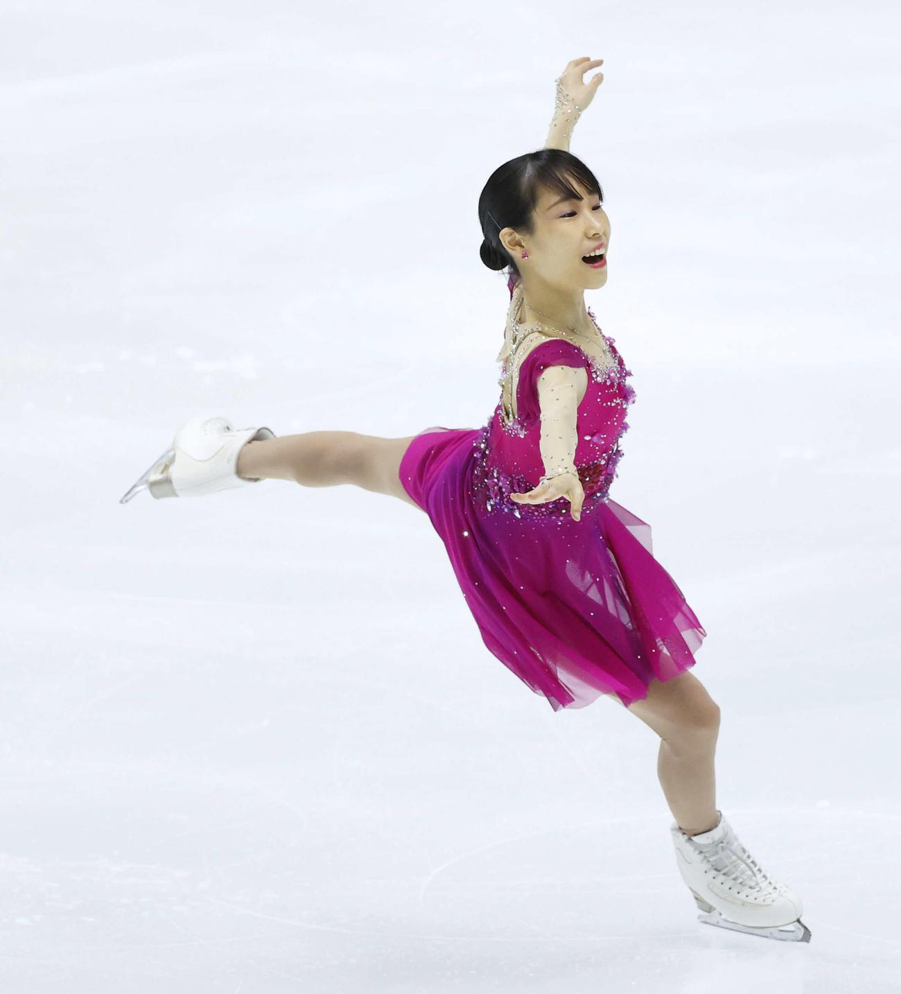 フィギュアスケートNHK杯女子ショートプログラム 演技をする三原舞依(代表撮影)