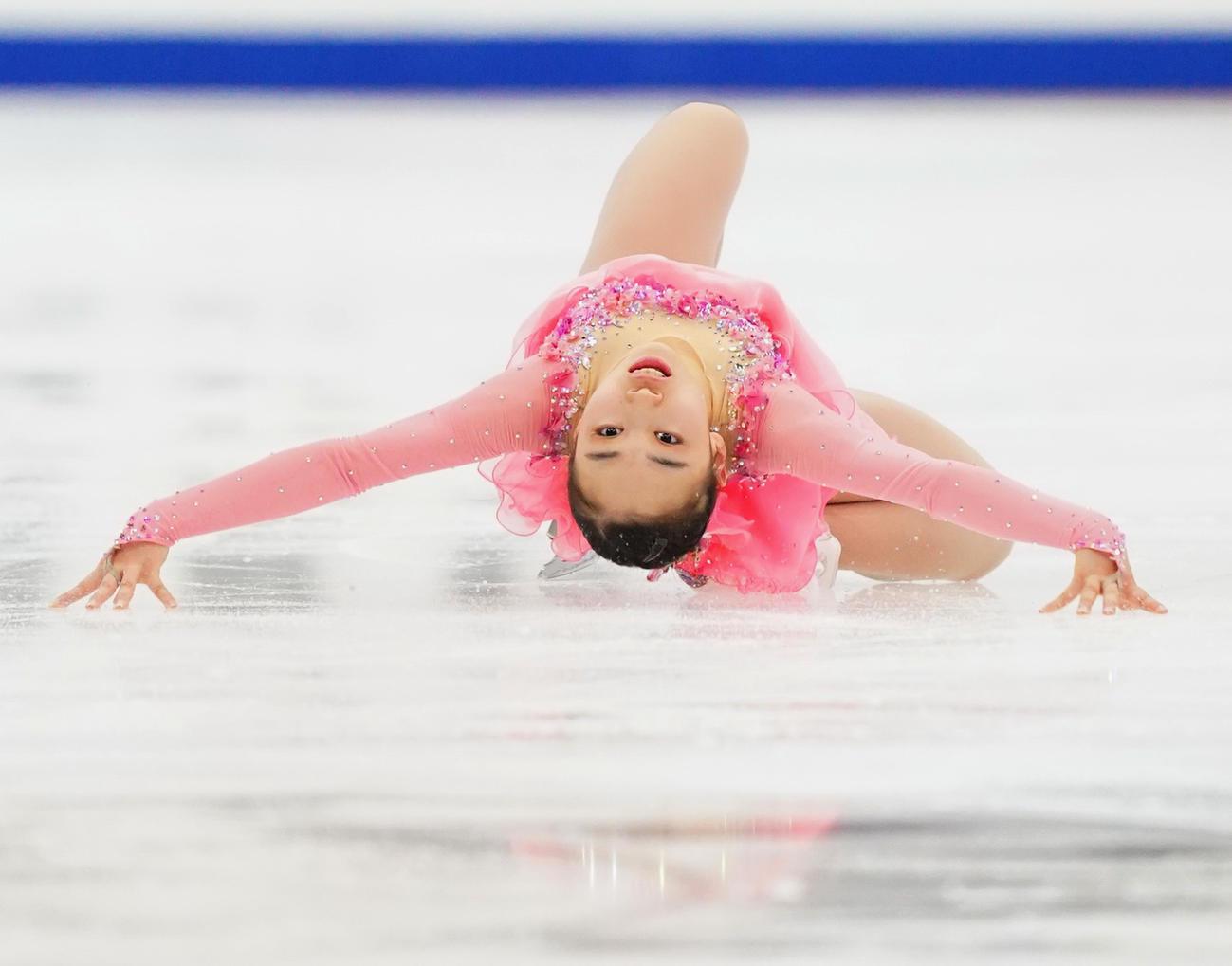 全日本選手権最終日 女子フリーで演技をする松生(代表撮影)