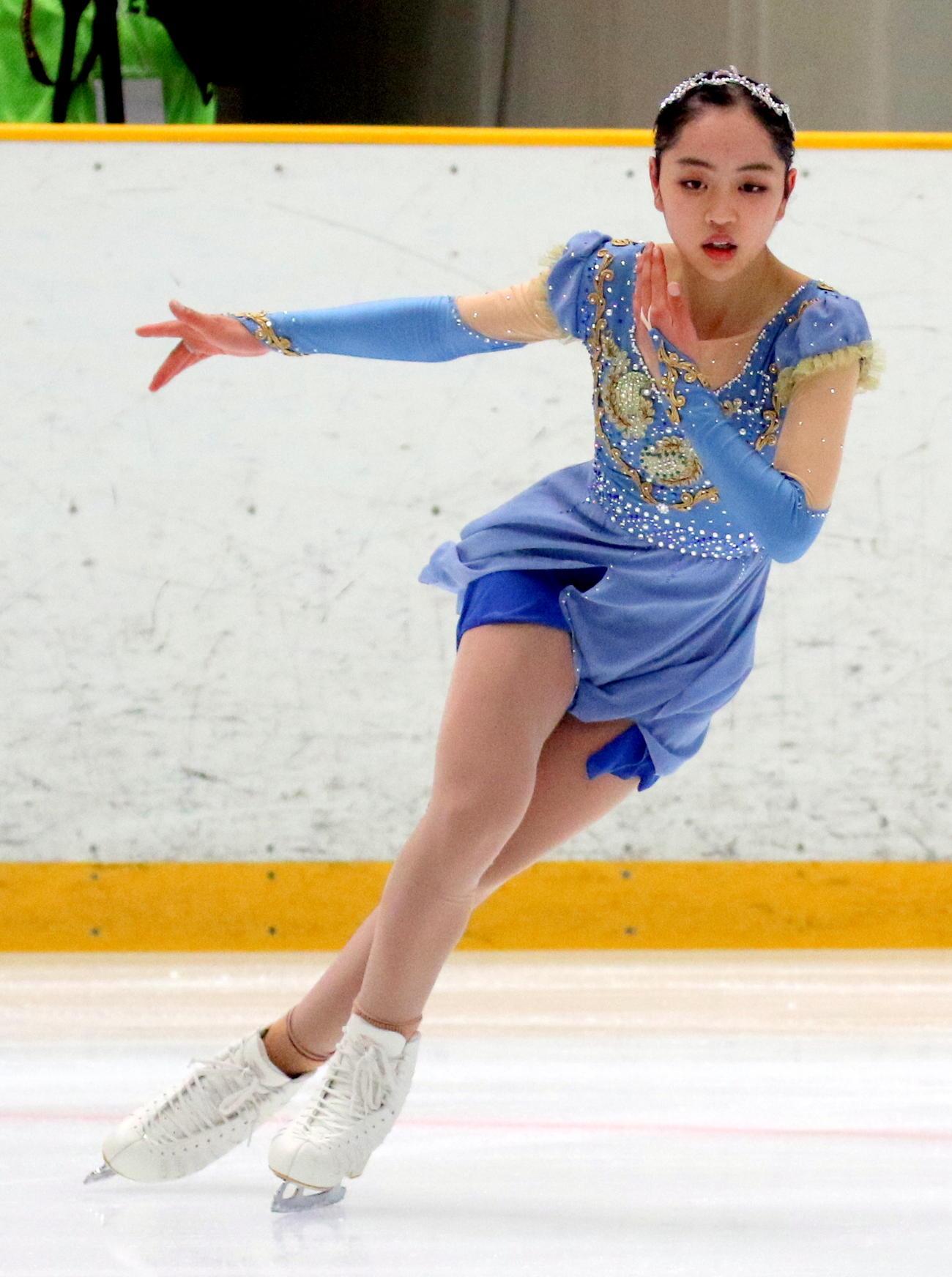 全国高校スケート選手権フィギュア競技 女子決勝(フリー)でSP6位から総合2位に順位を上げた香椎2年の江川マリア(撮影・木下淳)