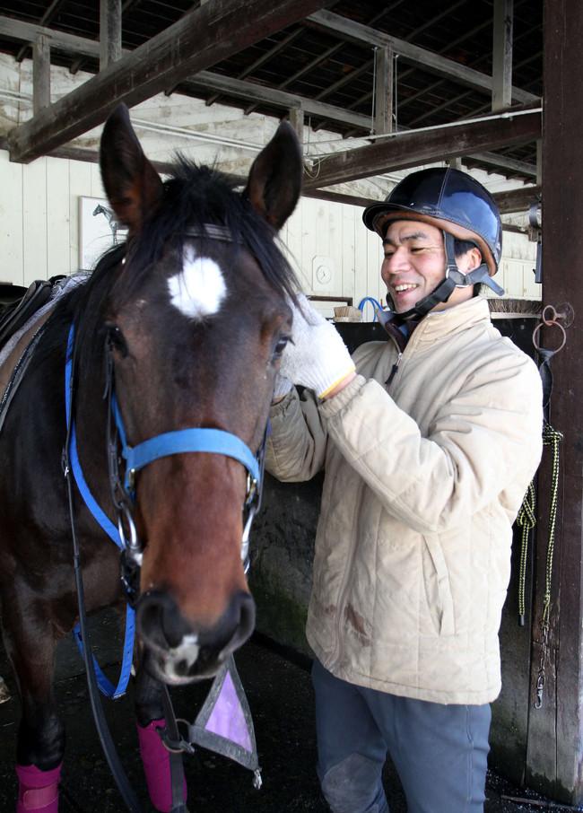競走馬を育てるかたわら競技も続ける白井牧場の白井氏(撮影・奥村晶治)