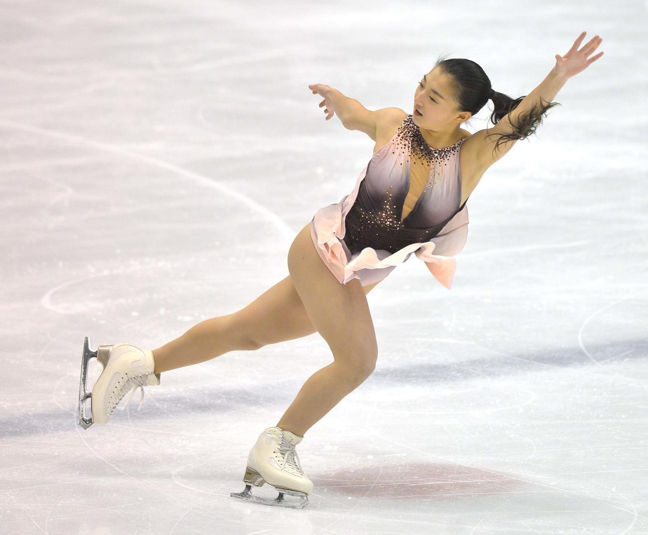 「愛知国体フィギュア成年女子SP」で演技をする坂本花織(代表撮影)
