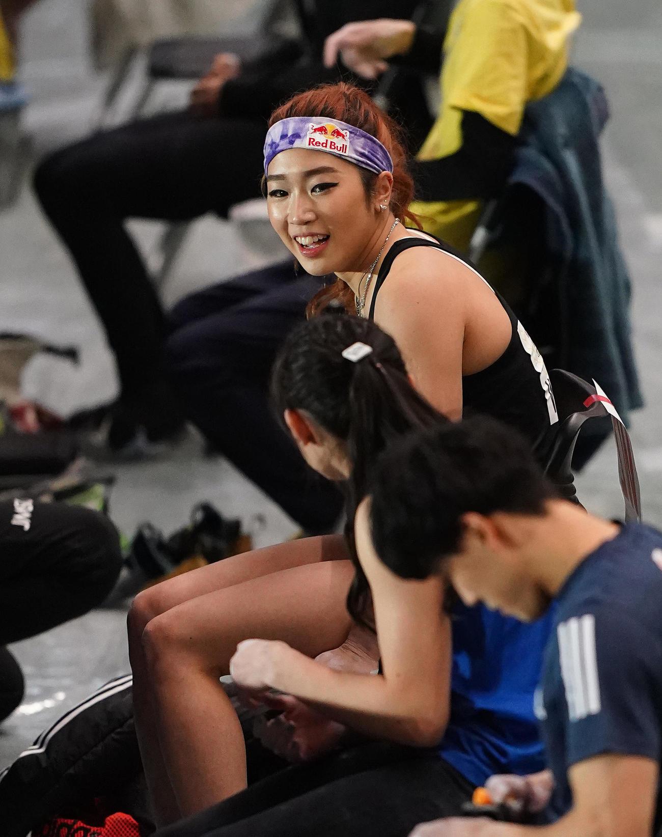 ボルダリング・ジャパンカップ女子予選で課題の合間に笑顔を見せる野中(撮影・菅敏)