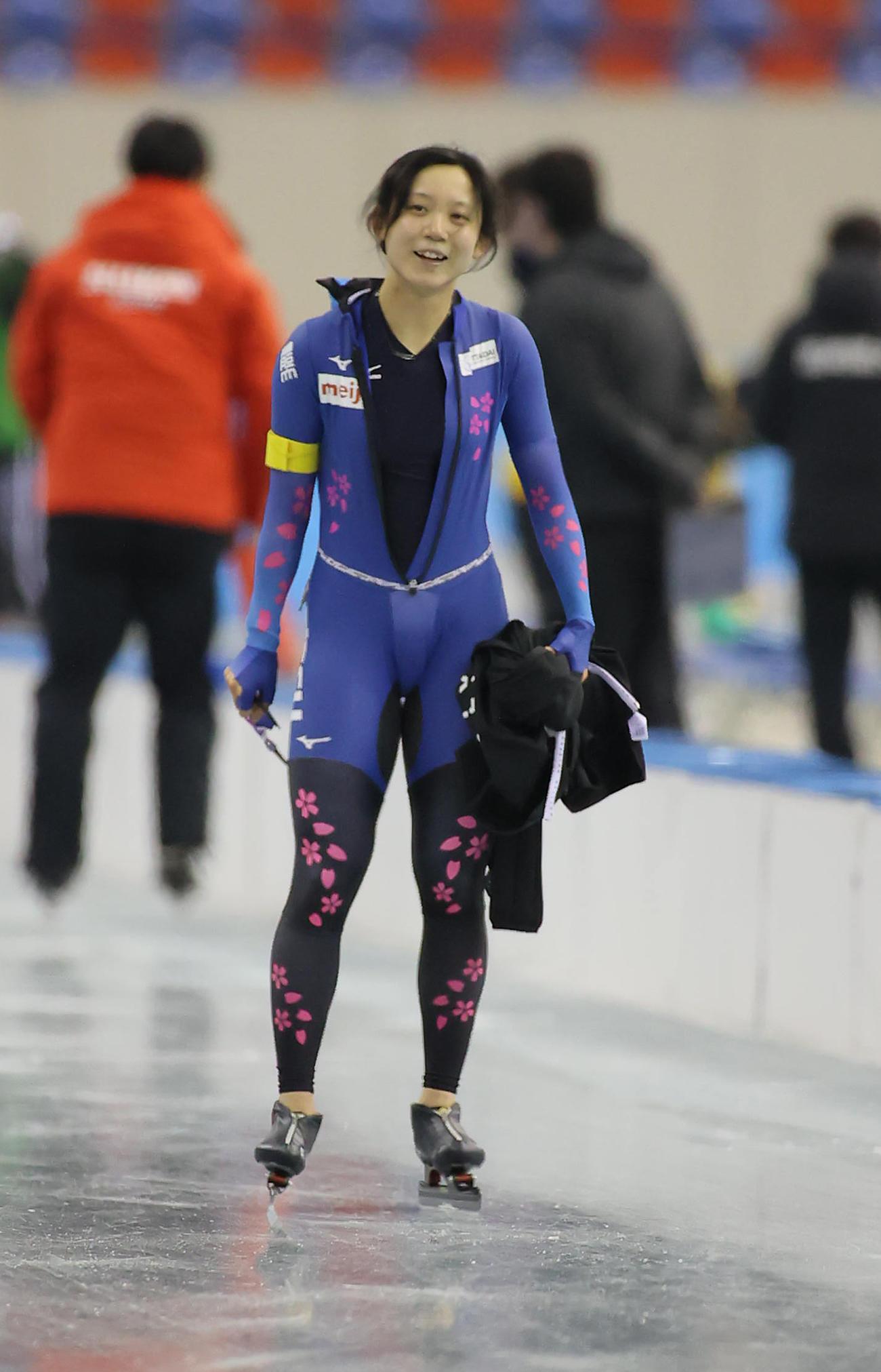 女子1500メートル 国内最高記録で制して笑顔の高木美帆(代表撮影)