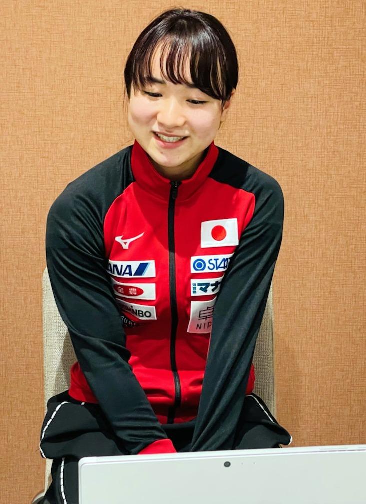 オンライン合同取材に応じる東京五輪卓球女子代表の伊藤美誠(スターツ提供)