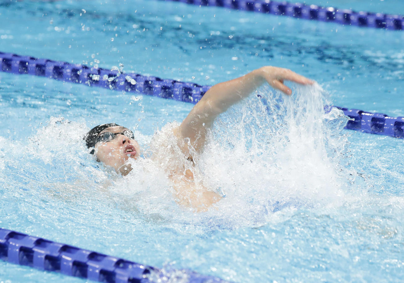 競泳日本選手権男子100メートル背泳ぎ 萩野公介の泳ぎ(2020年12月4日撮影)