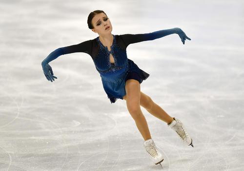 世界選手権女子SPに出場したアンナ・シェルバコワ(AP)
