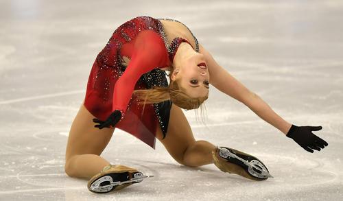 世界選手権女子SPに出場したエリスカ・ブレジノワ(AP)