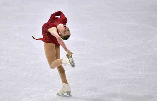 女子フリー 演技するリンゼイ・ファン・ズンデルト(AP)
