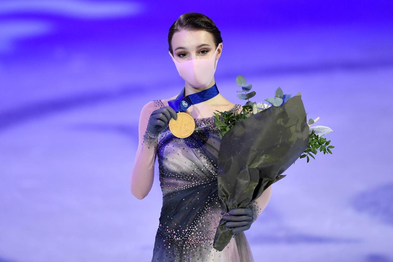 フィギュアスケート世界選手権初出場で初優勝のシェルバコワ(ロイター)