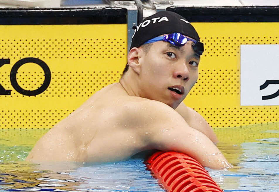 男子200メートル平泳ぎで東京五輪代表内定を逃し、浮かない表情の3位渡辺(代表撮影)