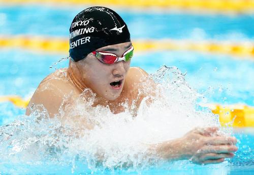 男子200メートル平泳ぎ決勝 日本新記録で優勝した佐藤(撮影・菅敏)