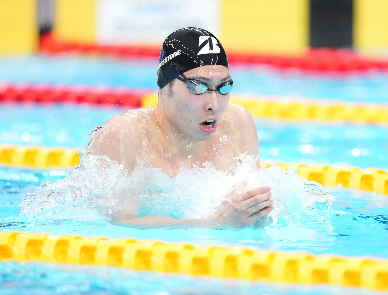 男子200メートル個人メドレー決勝で力泳する萩野(撮影・鈴木みどり)