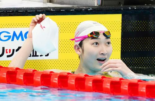 女子50メートル自由形決勝で優勝した池江(撮影・江口和貴)