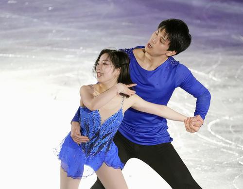 エキシビションで演技する三浦(左)、木原組(代表撮影)