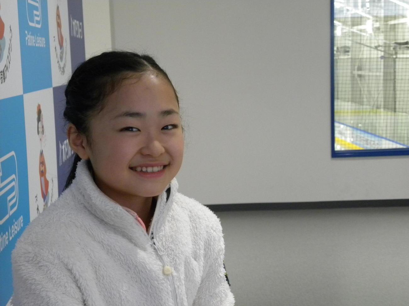 笑顔でインタビューに応じた島田麻央