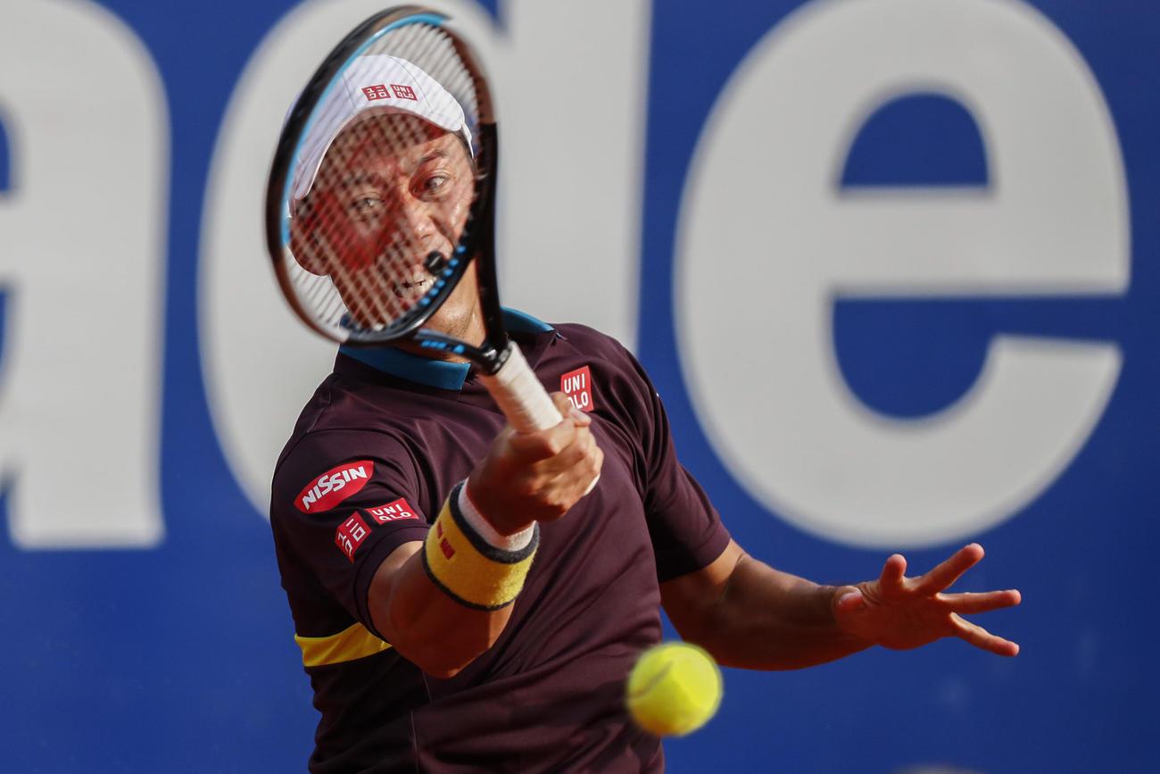 バルセロナオープンでナダルと対戦した錦織圭(AP)