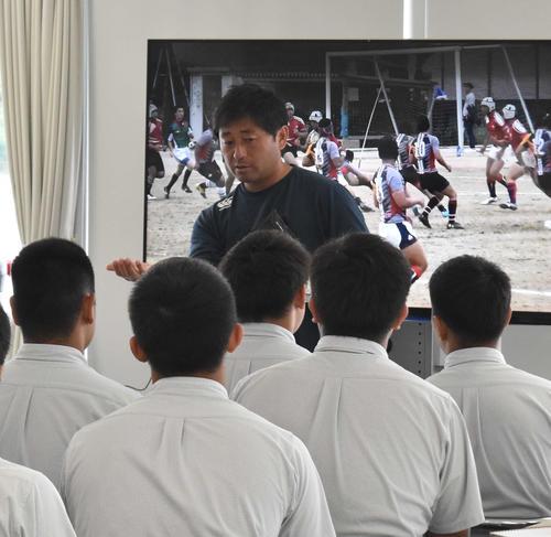 ラグビー日本代表のCTB中村亮土の恩師の富田昌浩監督